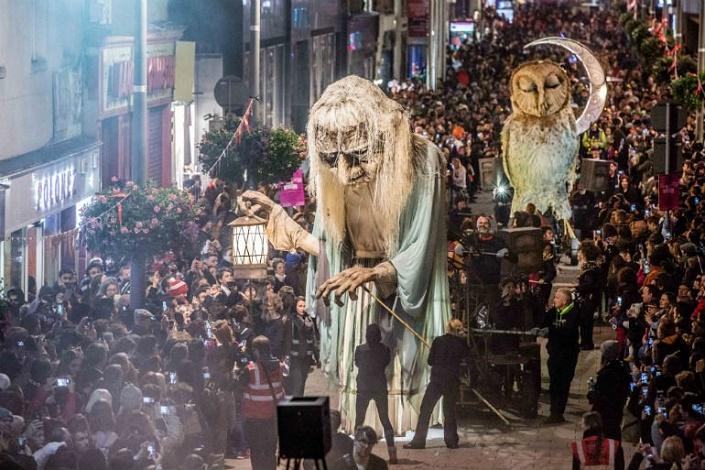 Become-a-volunteer-in-Dublins-spookiest-festival.jpg